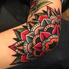 Elbow action! @boldwillhold.tattoo #samuelebriganti #posttradtattoo #boldwillhold #boldwillholdfirenze