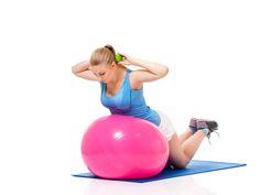 Tiukkaa treeniä ja tarkka ruokavalio, mutta tuloksia ei kertakaikkiaan meinaa syntyä? Älä anna periksi, vaan kysy itseltäsi missä vika ja muuta rutiineja. Kristalla on tilanteen korjaamiseksi muutama hyvä idea blogissa. #tripledryfinland #antiperspirantti #tripleblogi Gym Equipment, Anna, Exercise, Ejercicio, Excercise, Work Outs, Workout Equipment, Workout, Sport