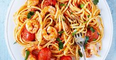 Try one of our best quick and easy linguine recipes, perfect for a speedy midweek meal. Choose from fresh vegetarian flavours or our tomato seafood linguine recipes.