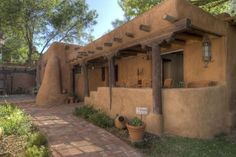 Mexican Adobe New Mexico Home Desert Southwest - House Plans New Mexico Style, New Mexico Homes, Southwestern Home, Southwest Style, Style At Home, Adobe Haus, Santa Fe Home, Mud House, Santa Fe Style