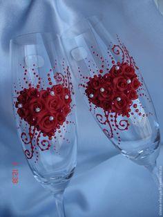 Купить Свадебные бокалы с сердечком из роз (красные) - ярко-красный, свадебные бокалы, свадебные аксессуары