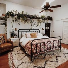 Cool 43 Smart Bohemian Bedroom Design Ideas You Must Try. Room Ideas Bedroom, Dream Bedroom, Home Decor Bedroom, Bedroom Wall, Bed Room, Bedroom Plants, Diy Bedroom, Bedroom Inspo, Bedroom Furniture