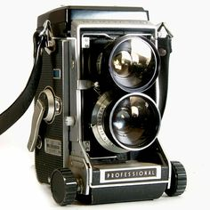 Hey, I found this really awesome Etsy listing at https://www.etsy.com/listing/219054485/vintage-camera-mamiya-c33-tlr-camera