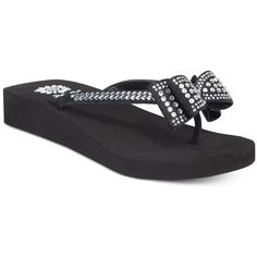 Yellow Box Zaire Bow Flip-Flops ($19) ❤ liked on Polyvore featuring shoes, sandals, flip flops, clear, rhinestone flip flops, clear sandals, bow flip flops, rhinestone bow flip flops and yellow box sandals