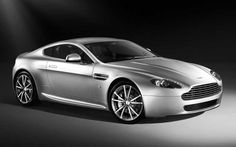 Aston Martin V8 Vantage. You can download this image in resolution 2048x1536 having visited our website. Вы можете скачать данное изображение в разрешении 2048x1536 c нашего сайта.