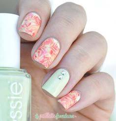 Essie Chillato //  Tropical nails in yellow coral and red - essie summer 2015 nail art - http://lapaillettefrondeuse.blogspot.be/2015/06/essie-chillato-tropicale.html