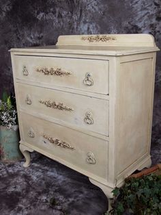 Antique Chest Of Drawers with Queen Anne legs & pretty rose appliqués. £165