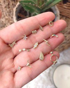 6338ff60ff6c Pendientes pequeños de plata ideales para agujeros de piercing. Se veden  por unidad. Tienen