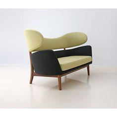 House of Finn Juhl – canapé Baker (Baker sofa) - design Finn Juhl Baker Furniture, Danish Furniture, Modern Furniture, Furniture Design, Furniture Upholstery, Danish Sofa, Upholstery Repair, Upholstery Tacks, Upholstery Cushions