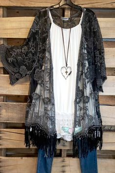 AHB EXCLUSIVE - Wild At Heart Kimono - Black Primavera Verano 650243909557