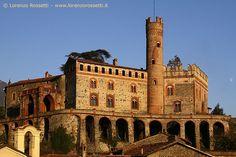 Esempio di residenza signorile, il Castello di Villardora risale al XIII secolo. Il feudo del 300 fu della nobile famiglia dei Provana Val di Susa-Piemonte