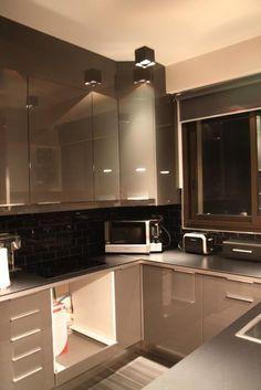Photo deco : Cuisine  Gris  Moderne   Appartement Masculin Colore