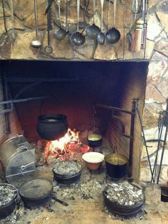 large open hearth cook fireplace with swing arms. Primitive Fireplace, Primitive Homes, Primitive Kitchen, Old Kitchen, Kitchen Witch, Vintage Kitchen, Kitchen Signs, Dutch Oven Cooking, Fire Cooking