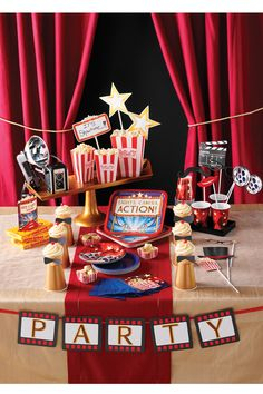Hollywood Movie Package Birthday Party Supplies Small Plates and Small Napkins