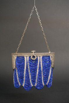 Vintage Bags Art Deco Beaded Handbag, c. /> Session 2 - Lot 881 - Art Deco Beaded Handbag, c. Vintage Purses, Vintage Bags, Vintage Handbags, Vintage Ideas, Vintage Shoes, Beaded Purses, Beaded Bags, Art Nouveau, Vintage Outfits