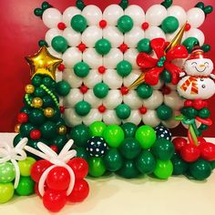 23 Clever DIY Christmas Decoration Ideas By Crafty Panda Grinch Christmas Party, Christmas Balloons, Christmas Crafts, Balloon Wall, Balloon Garland, Balloon Arch, Christmas Decorations To Make, Christmas Themes, Ballon Decorations