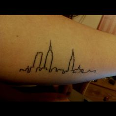 New York skyline tattoo. // want this in a pixel-thin line across my back New York Tattoo, Nyc Tattoo, Fake Tattoos, Body Art Tattoos, Cool Tattoos, Tatoos, London Skyline Tattoo, Nyc Skyline, Seattle Skyline
