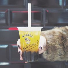 Cheers to the weekend! I love the juxtaposition of the fur and the very summery feeling drink.  Malibu has a special place in my heart reminds me of house parties in my uni days.  Did you know you can now get a @maliburumuk x @bubbleology drink at Trinity Leeds?  #ad #MalibuRumUk #Bubbleology