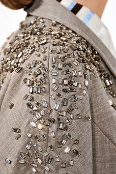Linen jacket with a heavy scatter of sparkly crystals - casual glam; jewel embellished fashion details // Carolina Herrera in 2020 Couture Embellishment, Couture Embroidery, Embroidery Fashion, Beaded Embroidery, Embroidery Designs, Embellishments, Embroidery Fabric, Trend Fashion, Abaya Fashion