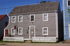 Quaker House Dartmouth Step Back in time Dartmouth Nova Scotia, Family Names, Devon Uk, Heritage Museum, Back In Time, Nantucket, Genealogy, Lakes, Beautiful Homes