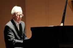30 luglio 2014 GIOVANI TALENTI DELL'ACCADEMIA IN CONCERTO CON IL MAESTRO MILNE Giovani pianisti dell'Accademia Dino Ciani, maestro Hamish Milne