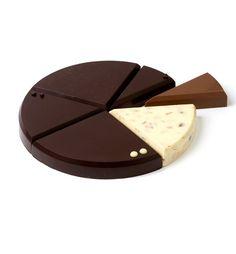 Todos sabemos que uma das intenções dos designers é facilitar a nossa vida quotidiana. Pois bem. A criação da equipa francesa 5.5 para a Chocolat Factory vem trazer uma dimensão totalmente revoluci…
