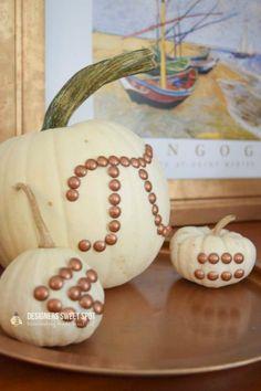 15 DIY Pumpkin Crafts That Don't Involve Carving - Designers Sweet Spot Spooky Pumpkin, Diy Pumpkin, Pumpkin Crafts, Fall Crafts, Halloween Crafts, Pumpkin Carving, Halloween Decorations, Pumpkin Ideas, Halloween Ideas