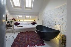 Trendy bath in bedroom renovation ideas Bedroom With Bathtub, Spa Bedroom, Attic Master Bedroom, Attic Bedroom Designs, Loft Bathroom, Attic Design, Bedroom Loft, Bathroom Interior, Bedroom Decor