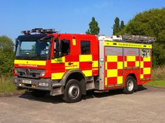 Firefighter Pictures, Rescue Vehicles, Fire Engine, Pump, Engineering, British, Country, Vintage Cars, Life