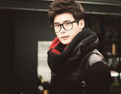 14 vezes Lee Jong Suk foi apenas o mais bonito