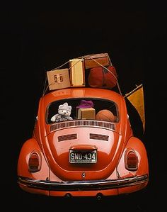 Why not set up at the Sunday flea market and sell your unwanted things for You could do it as a fun project with your or host your own fete/car boot sale Volkswagen, Vw Bus, Volkswagon Bug, Beetle Bug, Vw Beetles, Kdf Wagen, Bug Car, Automobile, Vw Vintage