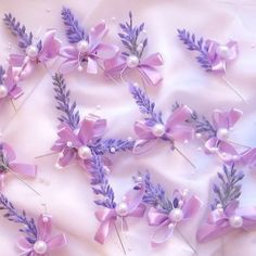 Vývazek s levandulí Family Flowers, Corsage Wedding, Ribbon Crafts, Buttonholes, Wedding Tips, Flower Crown, Wedding Accessories, Lavender, Wedding Decorations