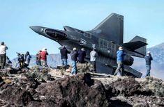 what a view Stealth Aircraft, Fighter Aircraft, Military Jets, Military Aircraft, Air Fighter, Fighter Jets, Zeppelin, Photo Avion, War Jet