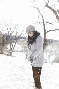 Winter Maternity and cute belly!