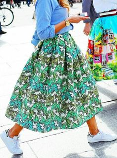 Shop the Street Style Look: Prints With Pizzazz Stella Jean skirt and Adidas Stan Smith shoes The post Shop the Street Style Look: Prints With Pizzazz appeared first on Design Crafts. Mode Outfits, Skirt Outfits, Dress Skirt, Midi Skirt, Fashion Outfits, Mode Shoes, Shoes Heels, Look Fashion, Womens Fashion