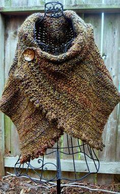 Poncho marrón al crochet.