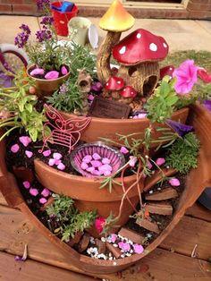 Stunning Ideas to Build a Fairy Tale Garden in a Broken Pot