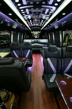 American Luxury Limousine serves Los Angeles, Ventura, and Santa Barbara County. Our LAX limo service & party bus fleet can't be beaten! Jets Privés De Luxe, Luxury Jets, Luxury Private Jets, Private Plane, Luxury Yachts, Luxury Hotels, Private Jet Interior, Bus Interior, Limousine Interior