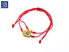 Protección y Amor en una pieza  #Pulsera #ManoHamsa #Accesorios #Rojo Diy Jewelry, Handmade Jewelry, Jewelry Making, Thread Jewellery, Cord Bracelets, Paracord, Handmade Bracelets, Jewerly, Mini