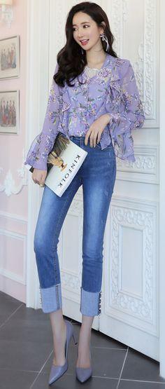 StyleOnme_Pearl Accent Fold-Up Hem Jeans #pearl #jeans #blue #feminine #koreanfashion #kstyle #kfashion #springtrend #dailylook