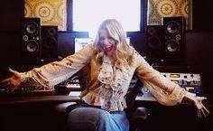 Lauren Alaina (@laurenalaina) • Instagram photos and videos Lauren Alaina, American Idol, Hipster, Ruffle Blouse, Photo And Video, Tops, Women, Style, Videos