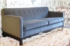 So you're shopping for a sofa, and you see this one in a store.  In a different store, you see the one below.   One sofa (the one on top) costs $3000;  the other costs $1500.  Why the wide dis…