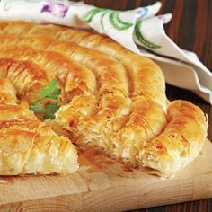 Bed Sheet Pastry Recipe Source by Next Previous Crispy Pastry Recipe - Baklavalik Pastry Crispy…Thin End Lace Models, # bed sheet edge lace models… Albanian Recipes, Turkish Recipes, Greek Recipes, Pastry Recipes, Cooking Recipes, Macedonian Food, Arabic Food, Chorizo, Vegetable Recipes