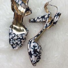 "J. Crew Sweet Blues Ankle Strap Heels New without box J. Crew blue and cream bow vamp heels with a slight platform. Double loop adjustable ankle strap. 1/2"" platform, 4.5"" heel. Size 9.5. No trades, offers welcome. J. Crew Shoes Heels"