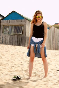 Too warm for anything / Fashion is a party fashion is a party, fashion blogger, beach, beach outfit, adidas, adidas slides, adidas poolslides, adidas adilette, white shorts, Rihanna for River Island shorts, Luiz David sunnies, mirror sunnies, Bloemendaal aan Zee