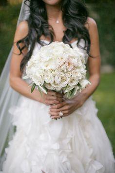 Beautiful ivory bouquet: http://www.stylemepretty.com/california-weddings/2014/11/17/romantic-napa-valley-fall-wedding/ | Photography: Weddings by Sasha - http://www.weddingsbysasha.com/