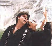 Shahrukh Khan and Manisha Koirala - 'Chaiyya Chaiyya' song - Dil Se (1998)