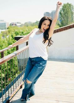Bell Bottoms, Bell Bottom Jeans, Beautiful Women, Pants, Romania, Artist, Fashion, Pictures, Trouser Pants