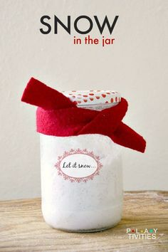 Did You Know You Can Gift Snow. Super easy Fake Snow Recipe only has 2 ingredients! Christmas Events, Christmas Crafts, Christmas Ideas, Holiday Fun, Diy For Kids, Crafts For Kids, Snow Recipe, Fake Snow, Sharpie Crafts