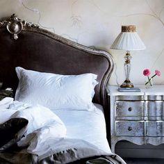 Living room | Take a tour around an art dealer's London home | housetohome.co.uk